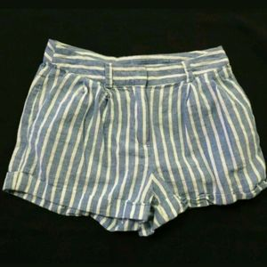 Love Tree Linen blend shorts Blue striped Small